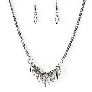 Trendy necklace and earrings